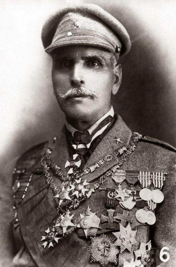 Manuel de Oliveira Gomes da Costa  ( 1863 —  1929) foi um militar e político português, presidente do Ministério acumulando com a chefia do Estado, fazendo dele o de facto décimo presidente da República Portuguesa e o segundo da Ditadura Nacional.
