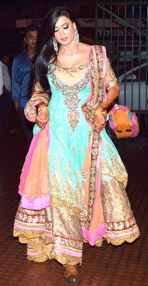 Shweta Tiwari looks ravishing #Bollywood #Fashion #Wedding