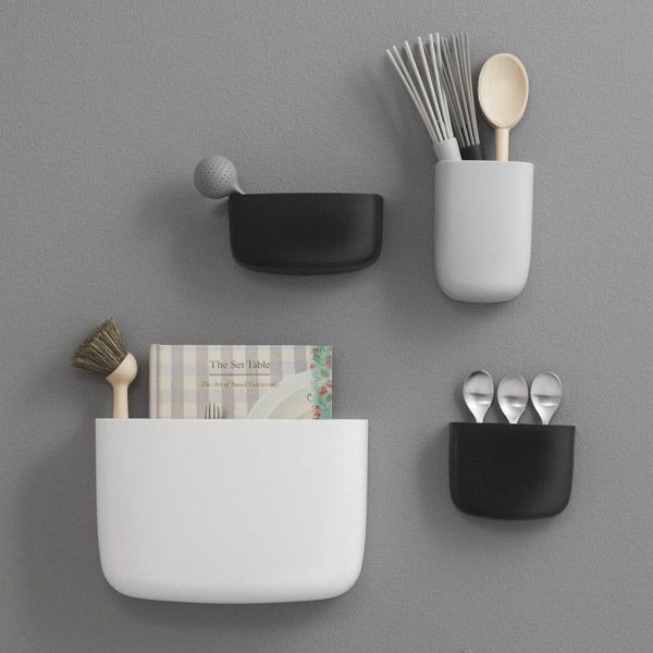Normann Copenhagen's Pocket organizer, designed by Simon Legald, has a simple round shape that was inspired by shirt pockets. The friendly, wall-mounted organizers are ideal for storing small items and accessories for example in your kitchen, office and children's room.
