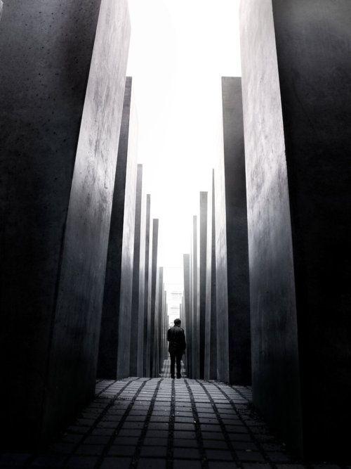 Berlin - Holocaust Memorial - Peter Eisenman - 2004