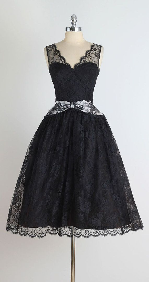 Under the Surface . vintage 1950s dress . by millstreetvintage