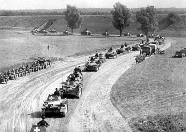 Немецкие танки входят в Польшу. Вторая мировая. 1939 г.