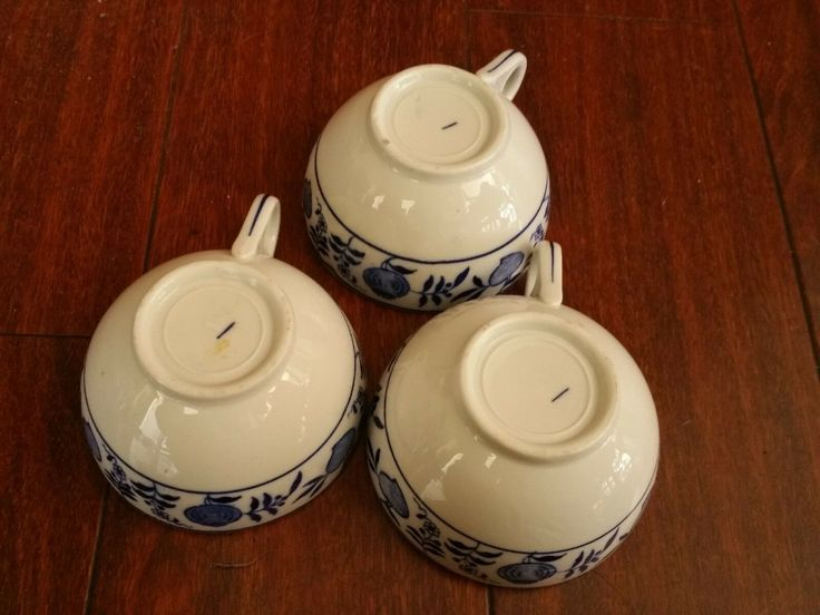 Details about 3 RARE ANTIQUE GREENWOOD CHINA BLUE ONION COFFEE CUPS RESTAURANT WARE SYRAUSE in ...