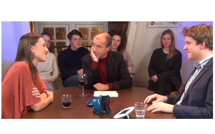 Met presentator Reinier van den Berg van Ecoland.tv neem ik in deze Ecotafel-aflevering een kijkje in de toekomst van rijden. Over E-cars en het Low Car Diet.