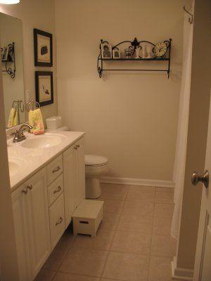 Costal bathroomBathroom Design, Bathroom Bathroom, Guest Bathroom, Coastal Bathroom, Costal Bathroom, Upstairs Bathroom, Bathroom Ideas, Bathroom Shelves, Bathroom Cabinets