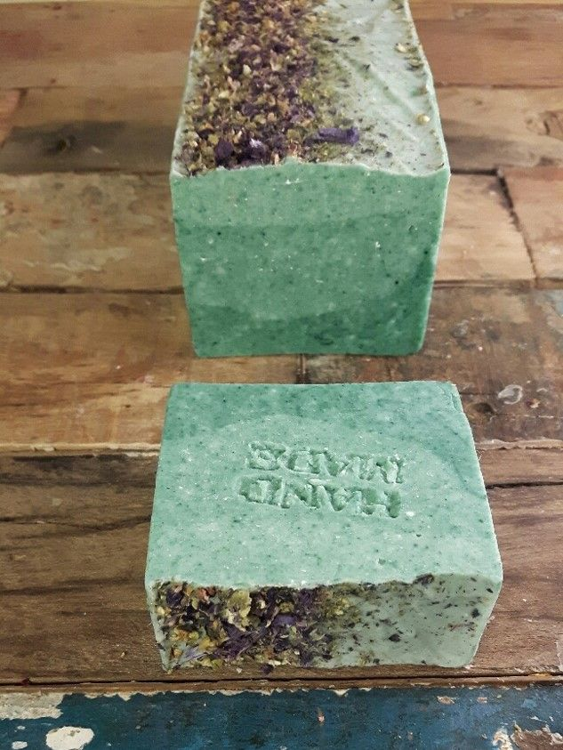 BLUE MOUNTAIN | A herbaceous combination of aromatic essential oils: eucaliptus, tea tree, cedar and a touch of lavender. Shop online https://minnua.com/…/soap-b…/products/blue-mountain-soap-bar