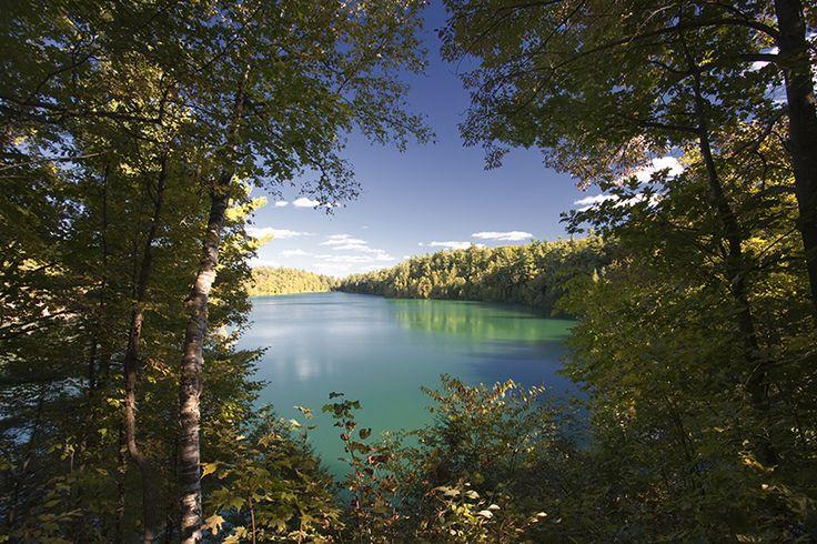 Le lac Pink du parc de la Gatineau, 2h10 de Laval, belvédère et randonnée 1h (sentier du lac Pink)