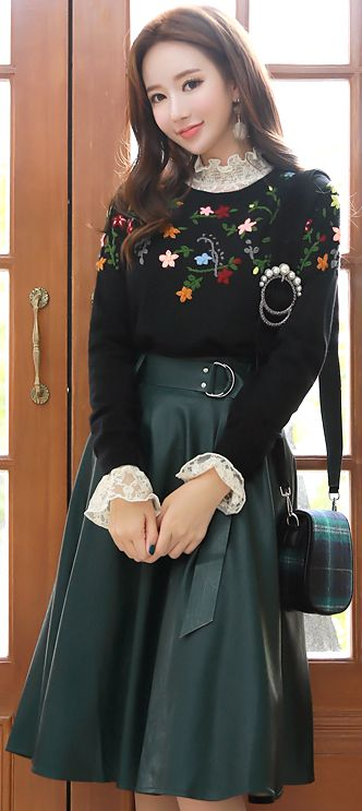 StyleOnme_Faux Leather Belted Flared Skirt #koreanfashion #kstyle #kfashion #falltrend #skirt #elegant #feminine #dailylook