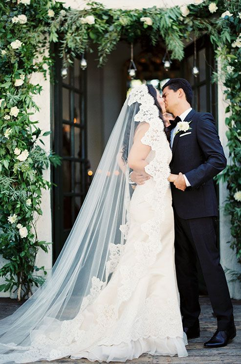 Held at The Villa San Juan Capistrano, this bride and groom wed in a gorgeous courtyard ceremony in front of close family and friends. Check out this fabulous real wedding.