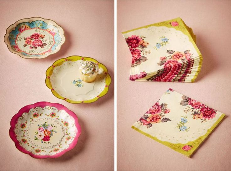 These beautiful fine-china inspired plates are made of paper, so you can have your cake and eat it, too -- without the huge price tag!  Cute matching napkins, too. | http://emmalinebride.com/vintage/bhldn-decor-ideas-weddings/