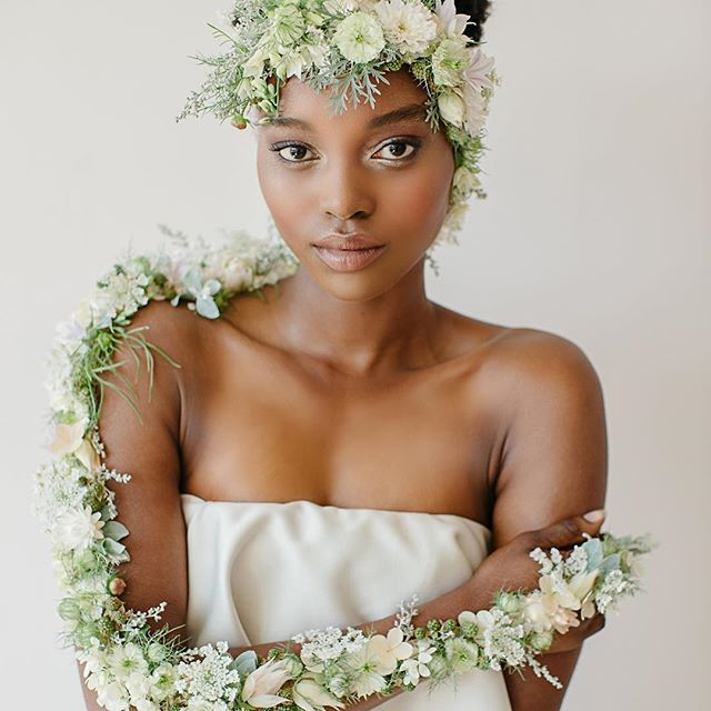 New Tutorials I M So Pleased To Announce That I Ve Released 4 New Design Tutorials They Ar Tuscan Wedding Bridal Musings Wedding Blog Short Hair Accessories