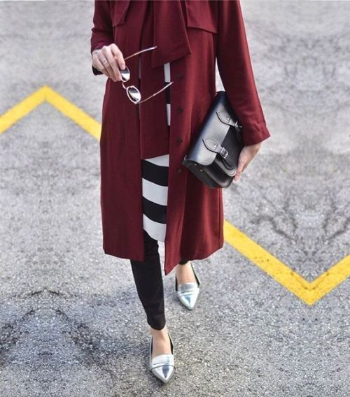 Maroon trench coat hijab-Everyday hijab outfits – Just Trendy Girls