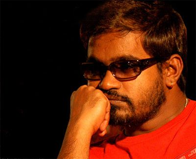 Selvaraghavan: The porukki in distress!! The damsel in shining armour... Shift in archetypes