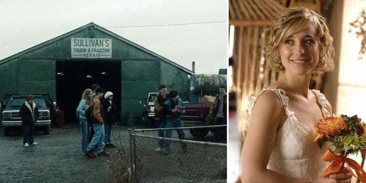 Quando o jovem Clark é agredido por jogadores de futebol americano, é mostrado ao fundo um local chamado Sullivan's Truck & Tractor Repair. Chloe Sullivan era a personagem favorita de Snyder na série e foi criada exclusivamente para a mesma. Entretanto, isso não impediu que a garota fosse referenciada no filme de 2013.