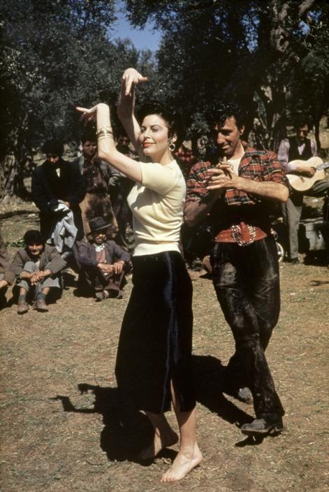 ROBERT CAPA | Ava Gardner en Roma rodando 'La condesa descalza', 1954