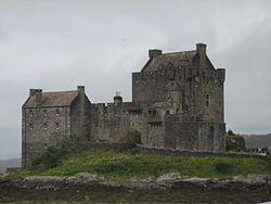 Eilean Donan Castle dit kasteel staat in schotland en is rond het jaar 580 gebouwd