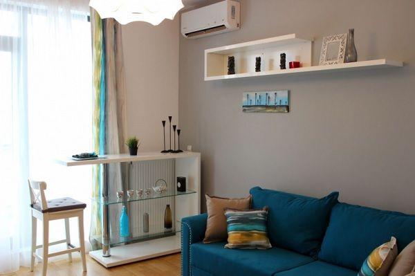 Adora Pipera - living modern, canapea albastra