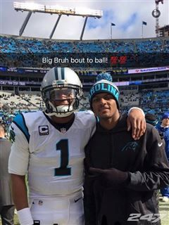 Deshaun Watson hanging out with Cam Newton at the Panthers game