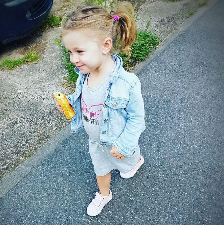 La petite princesse de @MerePasParfaiteEtAlors? a profité des beaux jours pour porter sa petite robe BABOU à 5€50.