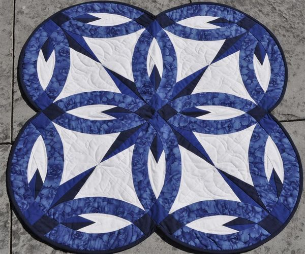 Wedding Quilt Patterns   Wait a second, is that the same design? It couldn't be? It is! The ...