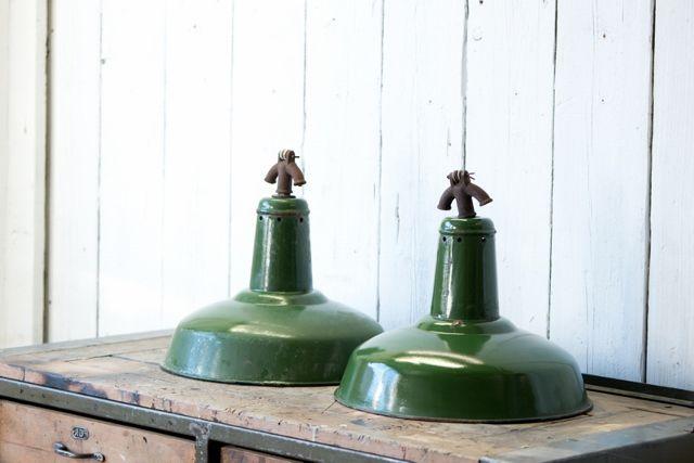 Industriele fabriekslampen emaille groen Hal 72 Industriele meubels, lampen en woonaccessoires 1