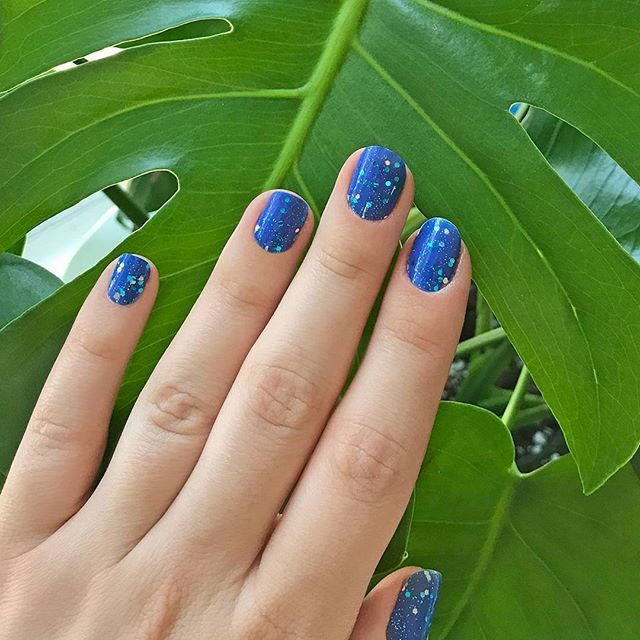 "The perfect glittery blue for the summer: ""Bay Breeze!"" Add a little bit of seaside sparkle to your nails with this glitzy stunner #incoco #glitternails #summernail #glittering #bluenails #blueglitter #blueglitternails"