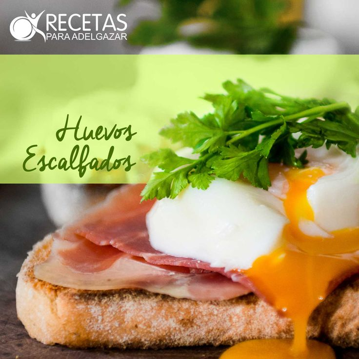 ¡Checa esta receta de huevos escalfados con pimiento,tomates y papas! #Light