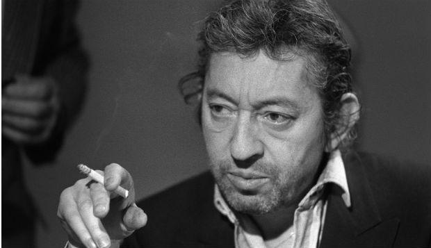 """http://buff.ly/1sk8gKJ - Serge Gainsbourg foi um músico, ator e compositor francês que iniciou a sua carreira nos finais da década de 50, data em que lançou o seu primeiro álbum. """"Couleur Café"""" foi editado, alguns anos depois, em 1964. A música faz parte do disco """"Gainsbourg Percussion""""."""