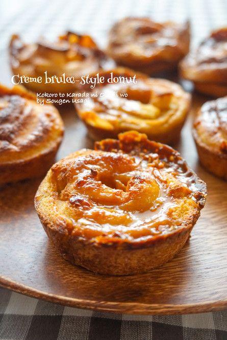 食パンをトーストしてそのまま食べるなんてもう古い!?食事系にもデザートにも使える食パンアレンジレシピを集めました。驚くようなレシピがたくさんあるので、ぜひご覧ください。