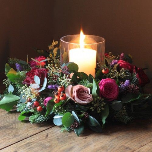 The Real Flower Company Antique & Red Table Wreath   http://www.realflowers.co.uk/christmas-collection-1/the-real-flower-company-antique-red-table-wreath.html