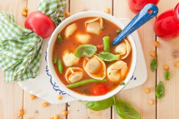 Томатный суп с пельменями