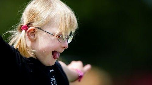 'Gewoon' onderwijs goed voor Down-kinderen  ·  LINDA.