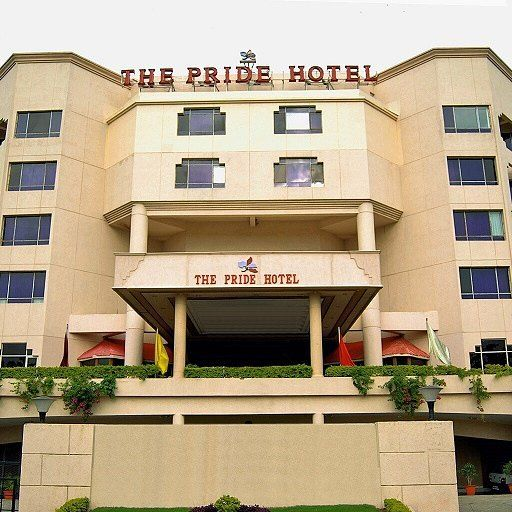 #Pridehotel is one of the best 3 star #hotels in #chennai. The hotel presents 115 aesthetically-designed #luxurious #rooms with an exclusive 24 hour coffee shop bar roof-top #restaurant #business center #health club #swimmingpool and a lot more. bit.ly/1N0y76C #havingfun #tour #trip #travelingram #picoftheday #instatravel #instatraveling #travelphotography #travelpics #hotelroom #vacations #luxurylife #coolhotel #packyourbags #instagood #instadaily #getaway #interior by sharmageeta739