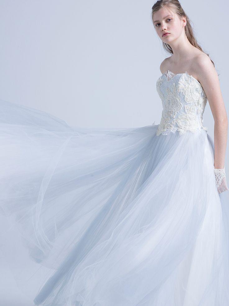 カラードレス | Color Dress | 世界中の旬でリアルなトレンドを発信するウェディングドレスのセレクトショップ。海外セレブご用達のデザイナーの日本初上陸ブランドやバリュエーション豊富なオリジナルカラードレスも人気。ウェディングドレスのレンタルはオーセンティック銀座で。