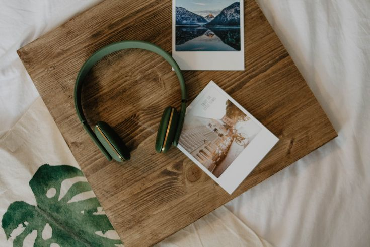 Each memory has a soundtrack of its own. Music can make you feel emotional and bring certain memories back. Let your favourite tunes enclose you with a pair of aHEAD - wireless headphones from KREAFUNK  Photo credit: @Simply Emily - Personal blog