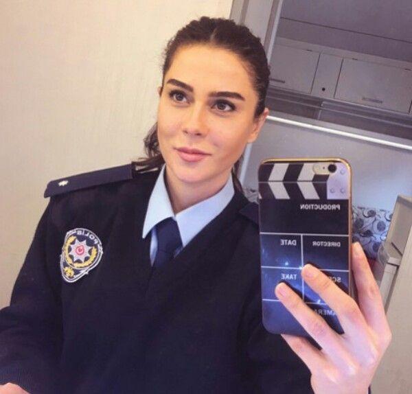 Polisiye dizisinde oynarsan polis olursun Asena Tuğal