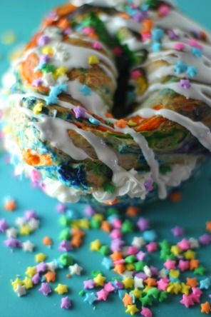 Unicorn Bagels with Rhodes Dinner rolls | The official blog of America's favorite frozen dough