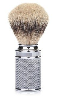 Badger, boar or synthetic, the guide shows the importance of selecting the best shaving brush for great lathering, wet shaving harmony and peace of mind.