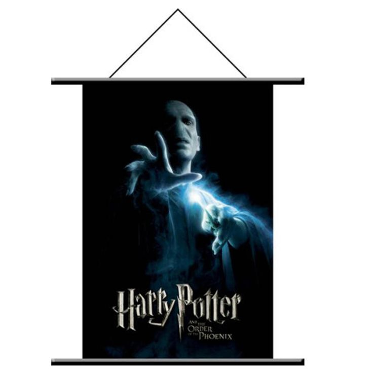 This is a Voldemort wall scroll poster that is produced by NECA. The Voldemort wall scroll feature a graphic of Voldemort from the Harry Potter Order of the Phoenix movie. Very cool. Harry Potter is j