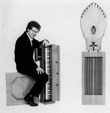 Ondes Martenot Model Nr. 343 ~ The keyboard drives a special speaker cabinet with a directly induced metallic membrane ~ Thomas Bloch, musician and performer of rare instruments and his Ondes Martenot made for him in 1985