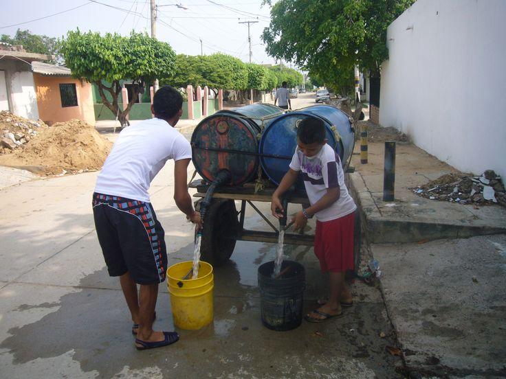 Con la venia de la Superservicios recibimos aguas grises para nuestro consumo