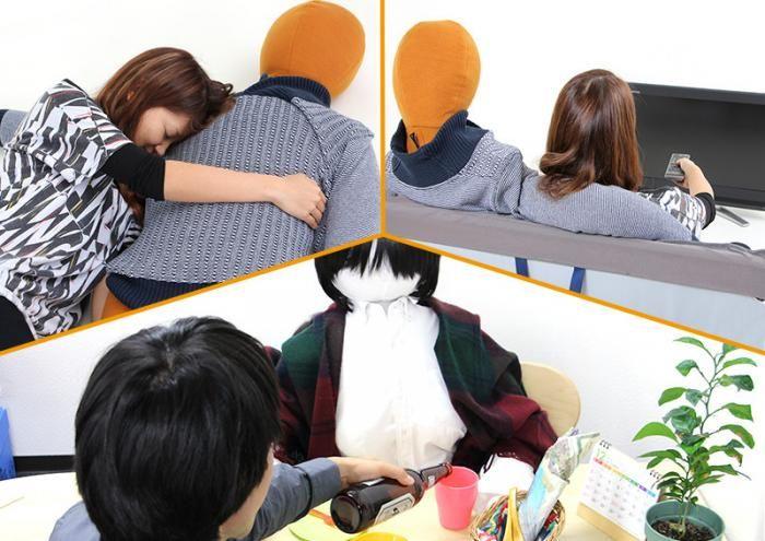 #интересное  Японская мода: Вязаный муж (13 фото)   Радуйтесь сильные и независимые женщины! В Японии в продажу поступила кукла, способная согреть холодными зимними вечерами почти как настоящий мужчина. Мужчинам не стоит отчаиваться, в продаже есть вариант куклы