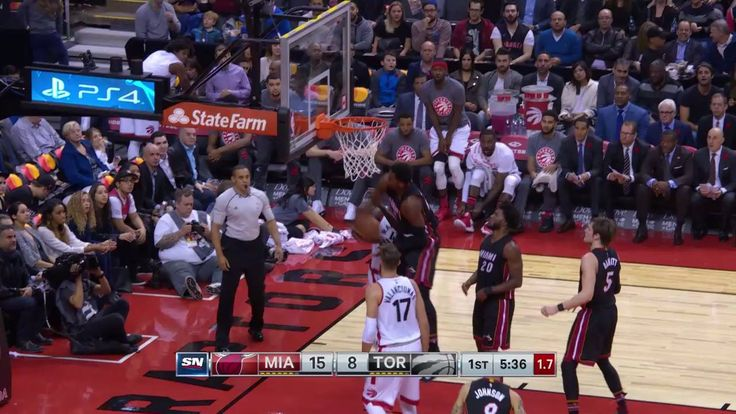 Hassan Whiteside grabs this out of mid-air for the block!