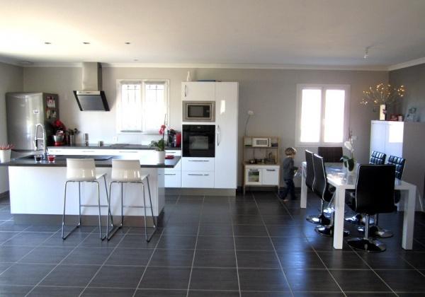 the 25 best cuisine blanc laqu ideas on pinterest. Black Bedroom Furniture Sets. Home Design Ideas