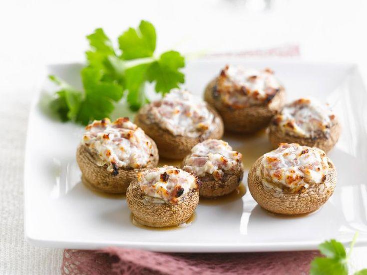 Découvrez la recette Champignons de Paris farcis au chèvre et au jambon sur cuisineactuelle.fr.