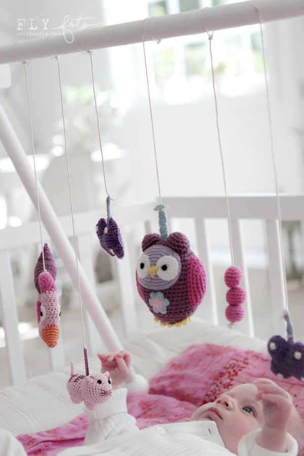 crochet mobile. so cute