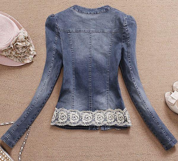 Jaqueta Jeans com Renda e Pérolas