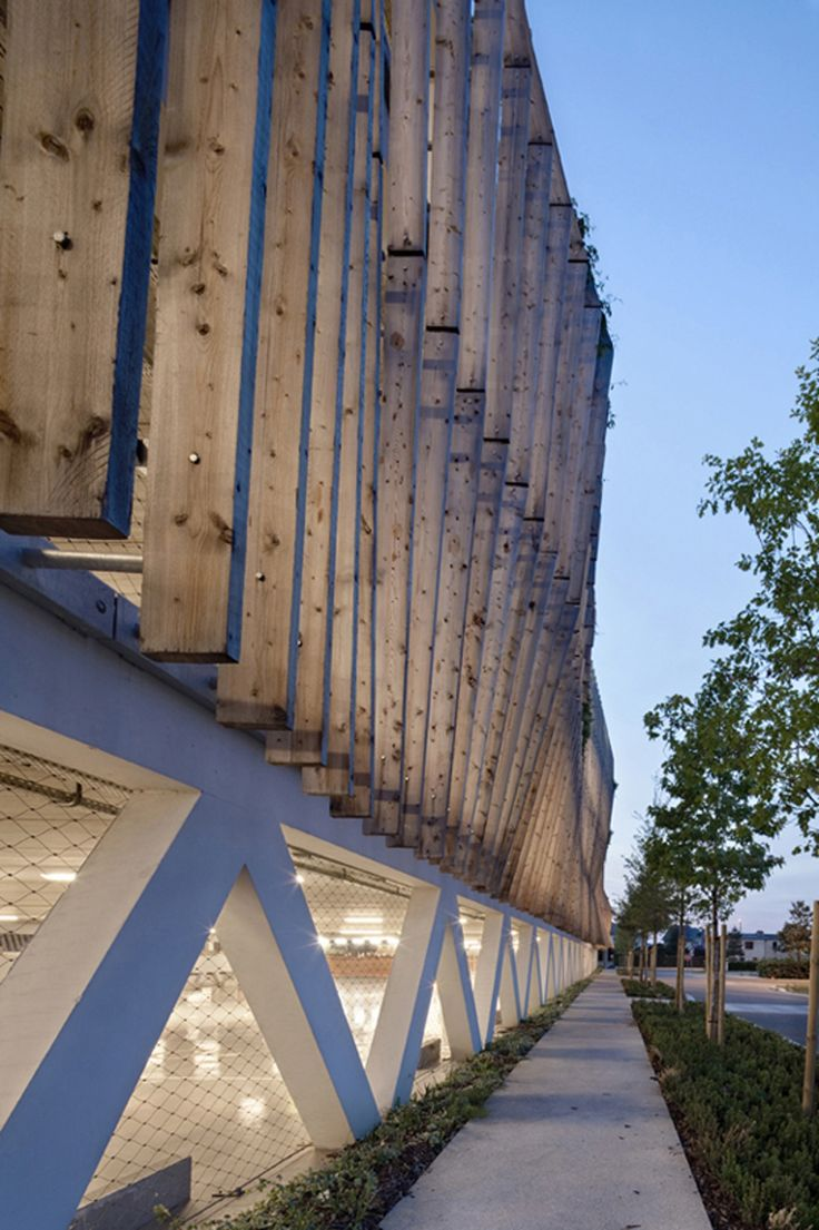 Architecture: The Green-Eyed Parking Garage — ArchDaily