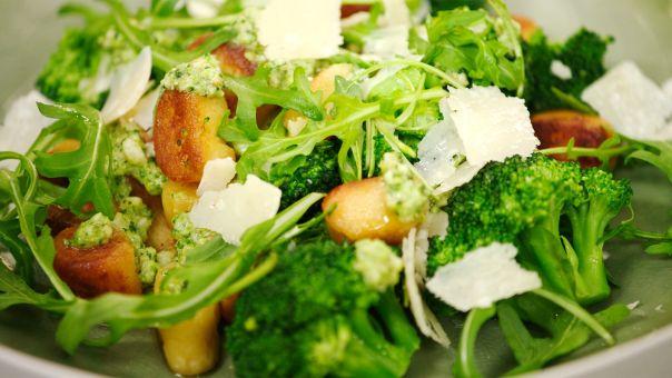 Gnocchi met broccolipesto