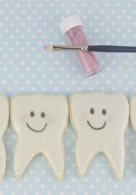 First Tooth Cookie Tutorial Follow Phan Dental Today!  https://www.facebook.com/phandentalyeg https://twitter.com/PhanDental